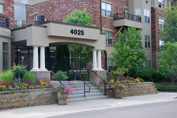 4025 West 65th Street Studio-2 Beds Apartment for Rent Photo Gallery 1
