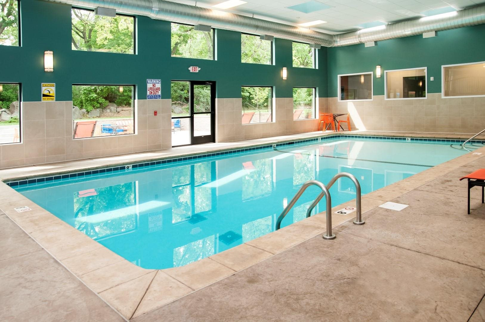 Swimming Pool with Spa at Terra Pointe Apartments, St. Paul