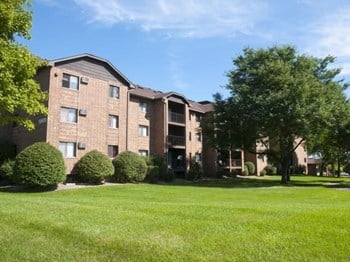 13670 Valley View Rd 1-3 Beds Apartment for Rent Photo Gallery 1