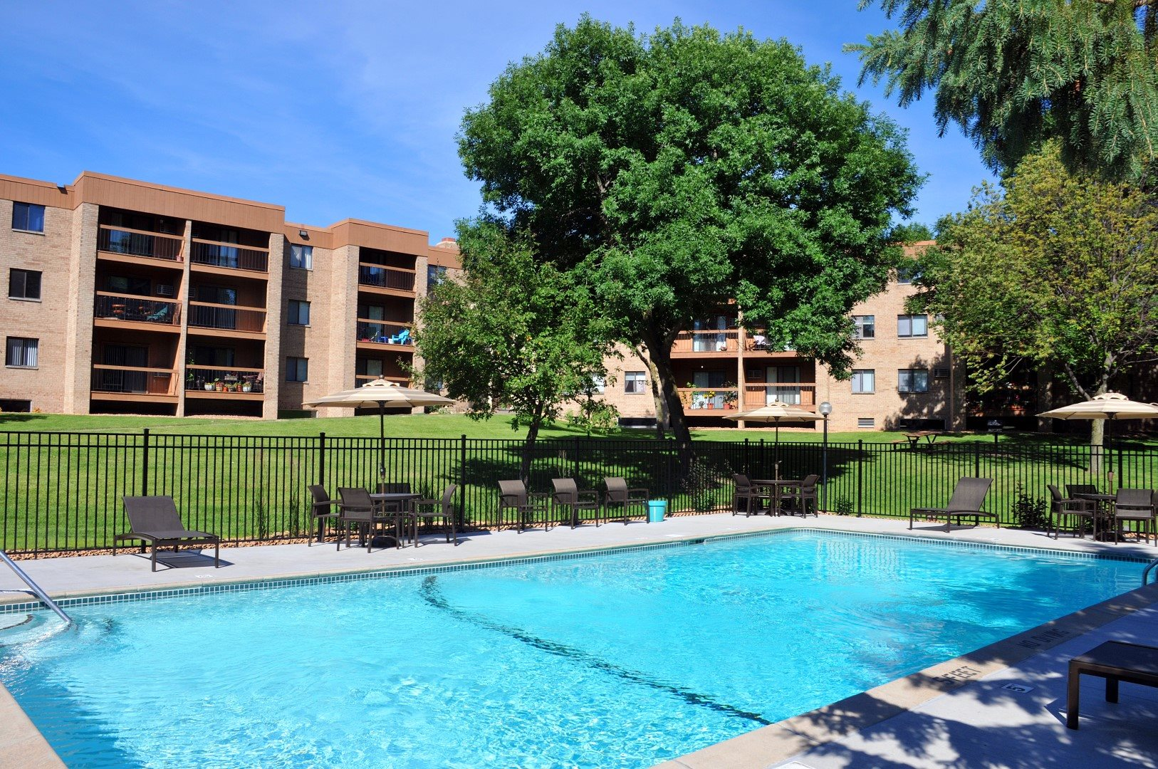 Edenvale Apartments Eden Prairie Minnesota Outdoor Pool Sun Deck