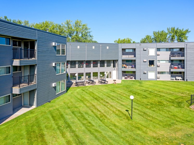 Lush Green Outdoor Spaces at Hillsborough Apartments, Roseville, MN, 55113