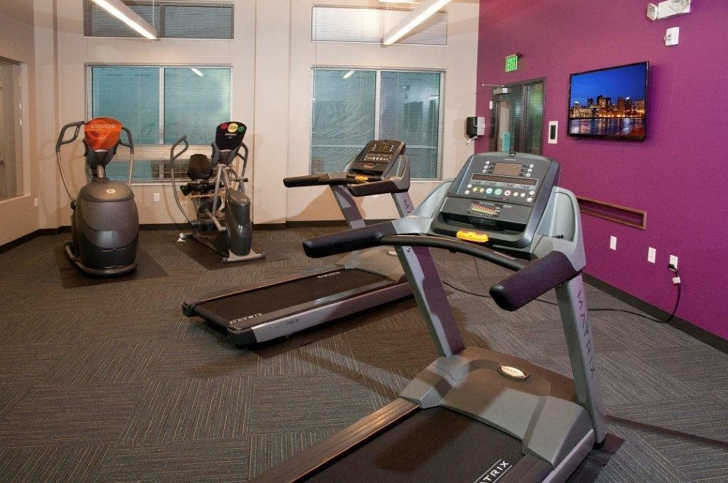 Fitness Club with TV at Shoreview Grand, Shoreview