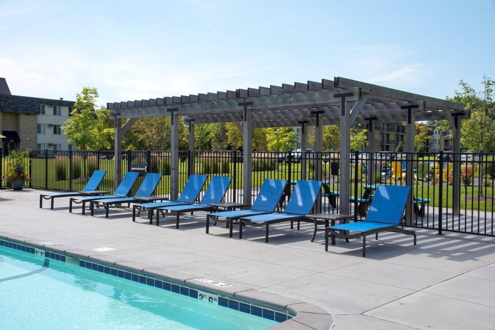 Swimming pool area at Shorview Grand cheap apartments in Shoreview MN