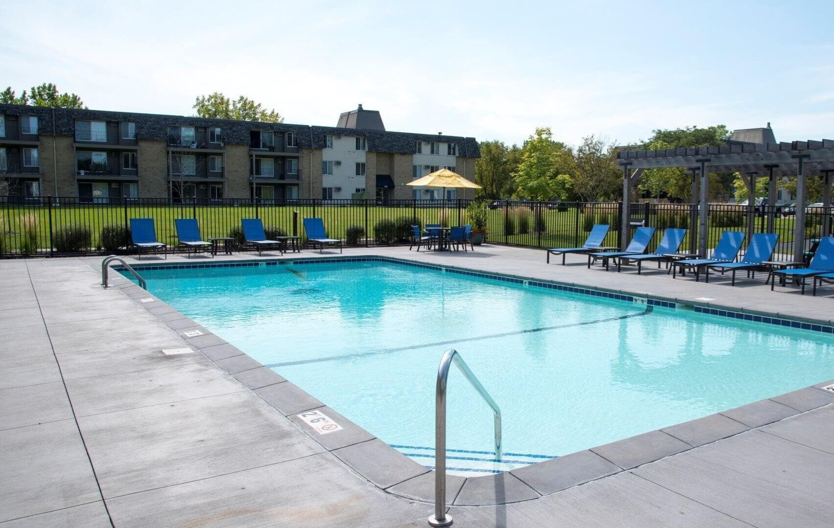 Pool at Shorview Grand apartments in Shoreview Minnesota