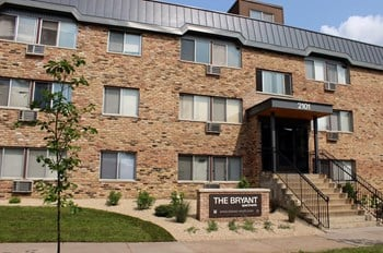 2101 Bryant Ave S 1-2 Beds Apartment for Rent Photo Gallery 1