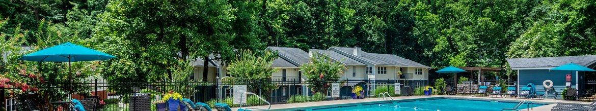 Resort Style Swimming Pool at Hawthorne Creekside in Chattanooga TN