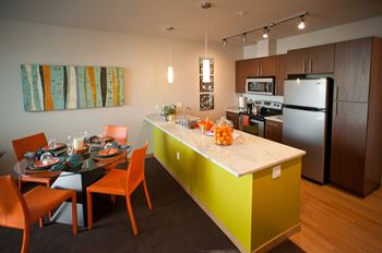 3701 S. Hudson Street 1-2 Beds Apartment for Rent Photo Gallery 1
