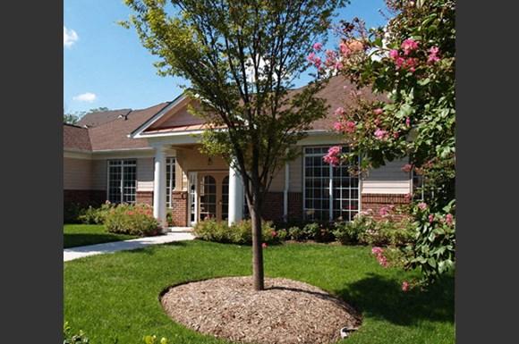 Woodland Park 1 Apartments 13025 Elm Tree Drive Herndon