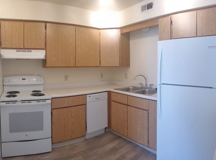 Upgraded kitchen cabinets, appliances and flooring