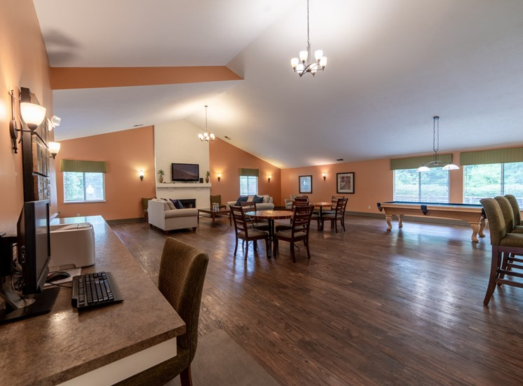 Resident Lounge With Demonstration Cooking Kitchen at Bradford Ridge Apartments, Bloomington, 47403