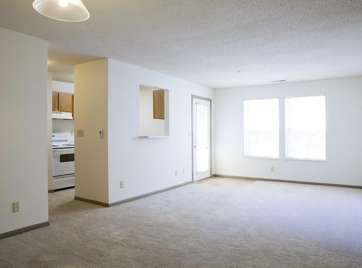 Living Room - Bradford Woods Apartments in Peoria, IL