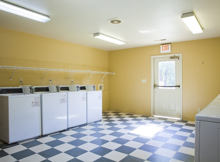Laundry Facility - Bradford Woods Apartments in Peoria, IL