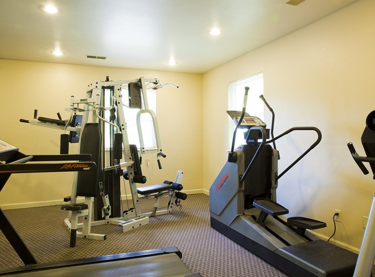 Fitness Center - Bradford Woods Apartments in Peoria, IL