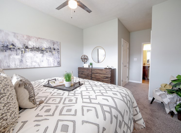 Champion Farms Apartments | Renovated apartments in Louisville, KY