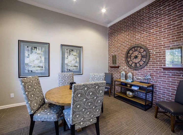 The Reserve at Williams Glen Apartments in Zionsville, IN off Michigan Road