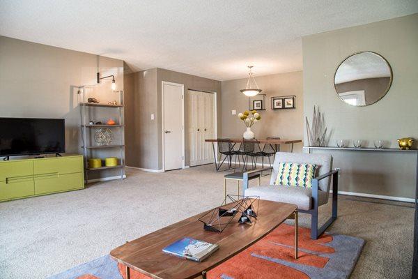 Gramercy Apartments in Carmel, IN on Keystone Avenue