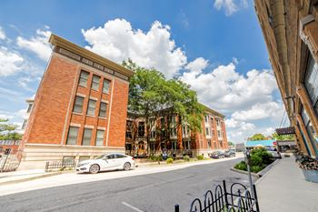 902 N. Pennsylvania Street 1-2 Beds Apartment for Rent Photo Gallery 1