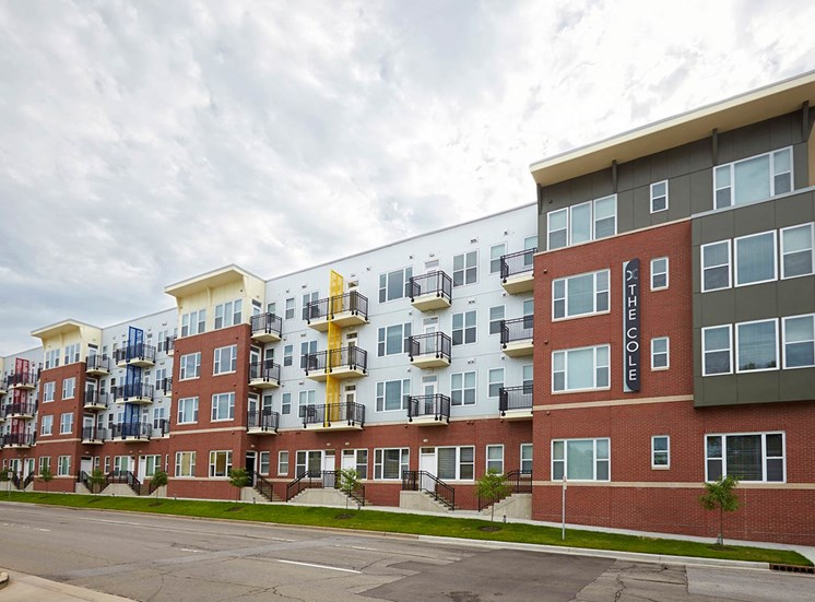 The Cole Apartments in Columbus, Indinana, Columbus apartments near Cummins, Columbus Indiana rentals, One bedroom apartment in Columbus Indiana, Two Bedroom, 1 Bedroom, 200 Jackson St Columbus IN