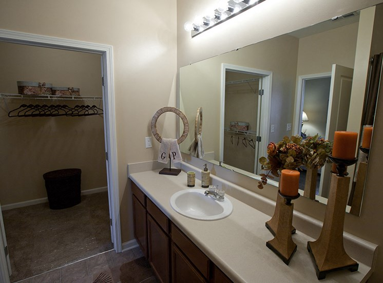 Three Bedroom Rental- Apartments at Grand Prairie, Peoria, Illinois, 5400 West Sienna Lake Peoria, IL, bathroom, walk-in closet