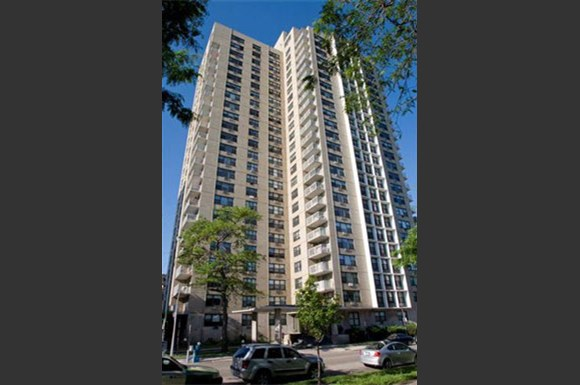 Oglesby Towers Apartments 6700 S Oglesby Chicago Il Rentcaf 233