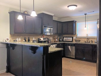 738 Neville Street 3 Beds House for Rent Photo Gallery 1