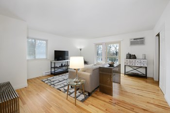 165 Thousand Oaks Drive 1-3 Beds Apartment for Rent Photo Gallery 1