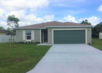 3710 SW Manak St 4 Beds House for Rent Photo Gallery 1