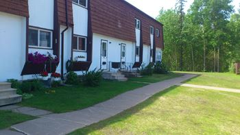45 Red River Drive 3-4 Beds Townhouse for Rent Photo Gallery 1