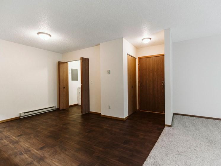 Harrison Apartments | 3 Bedroom | Dining & Hookups