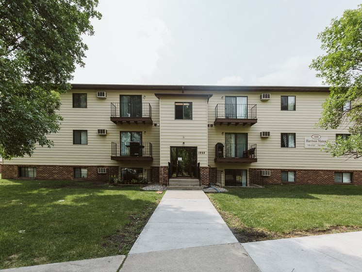 Harrison Apartments | Grand Forks, ND
