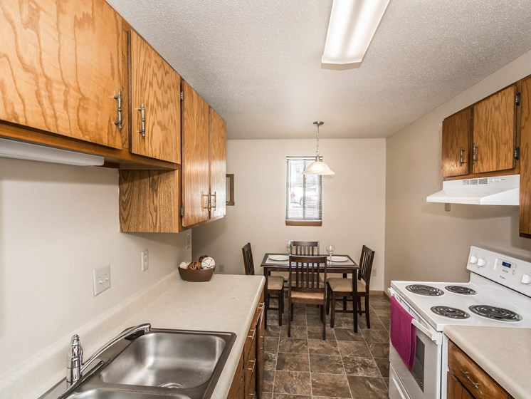 Library Lane Apartments | Kitchen & Dining