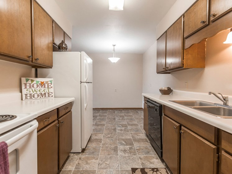 Mayfair Apartments | Kitchen & Dining
