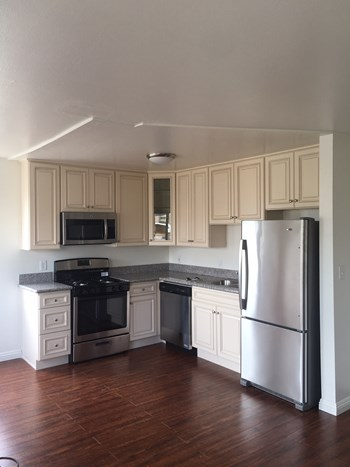 2816 San Marino Street 1-2 Beds Apartment for Rent Photo Gallery 1