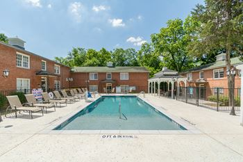 1902 Tarrant Place 1-2 Beds Apartment for Rent Photo Gallery 1