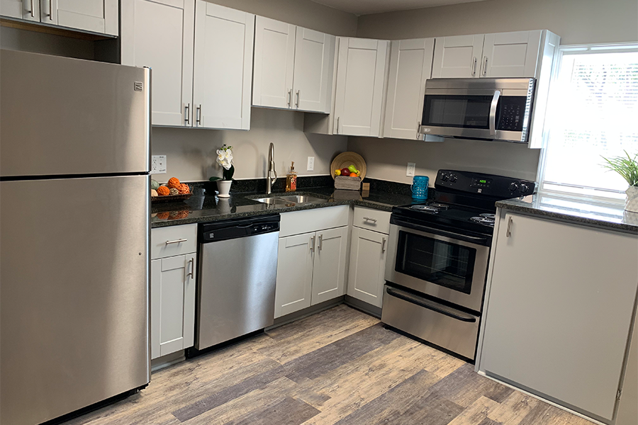 Renovated Kitchen of Wynwood Place Estates Downtown Raleigh Apartment for Rent