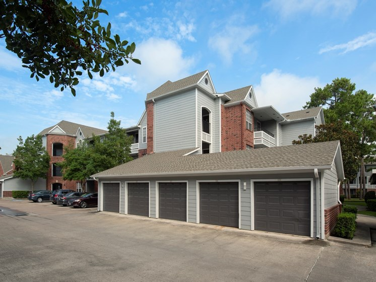 houston tx apartments with garages
