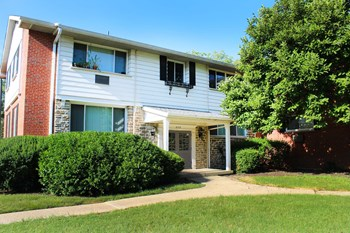 3183 Mayridge Court, #4 3 Beds Apartment for Rent Photo Gallery 1