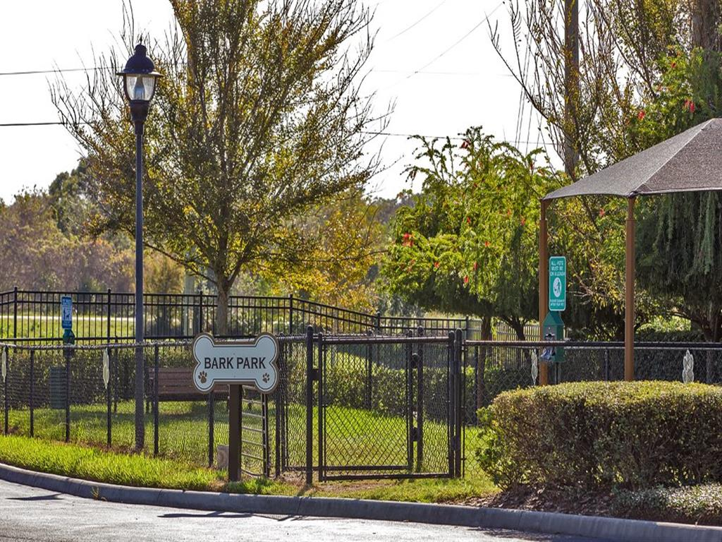 Pet Park at Verano Apartments, Kissimmee