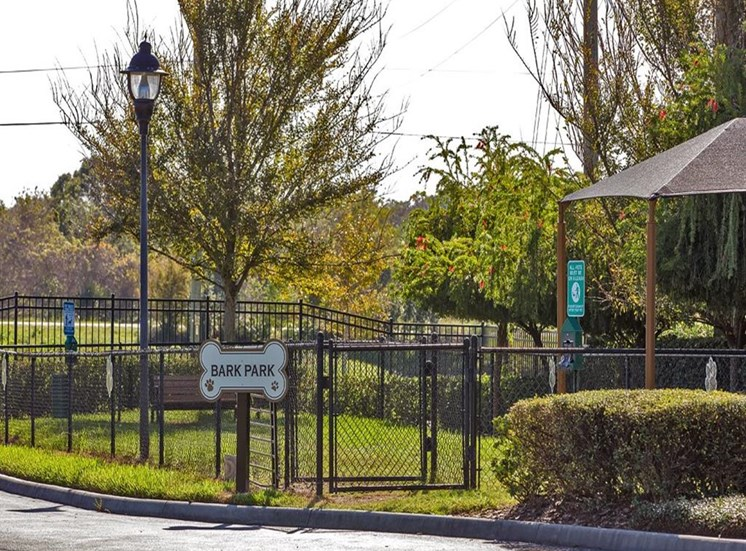 Pet Park at Verano Apartments, Kissimmee