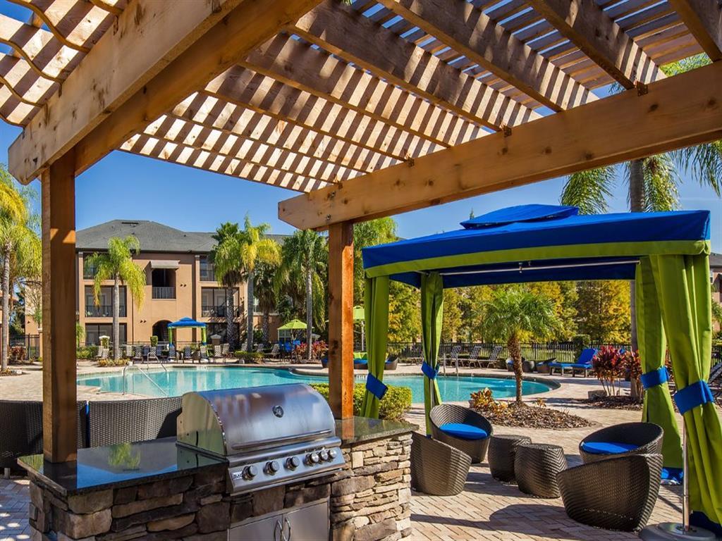 Picnic and BBQ Area at Verano Apartments, Kissimmee