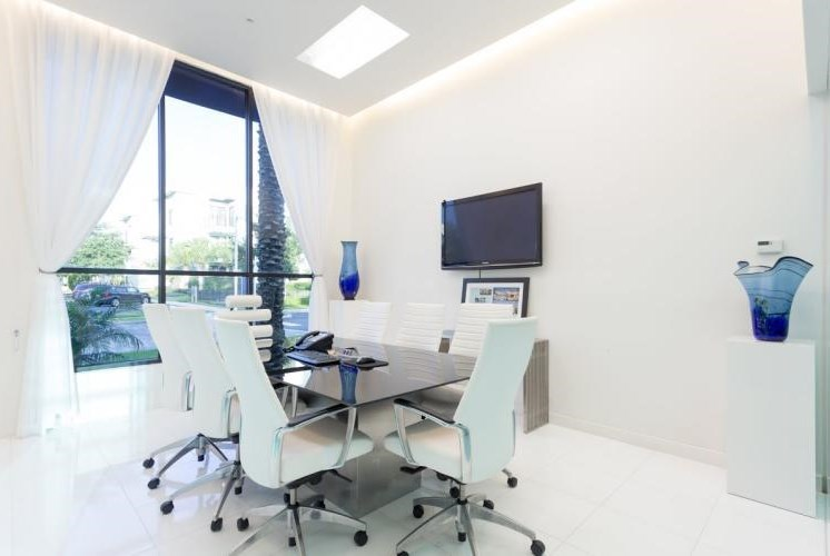 Resident Conference Room at Pure Living Heathrow, Heathrow, 32746