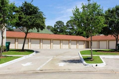 Garageat Fountains at Champions, TX, 77069