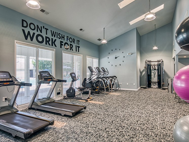 Fitness_Center_Compass_At_City_Center Apartments