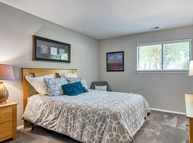 Bedroom_Compass_At_City_Center_Apartments