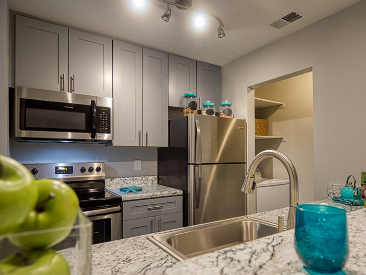 Model_Kitchen_Compass_Apartments