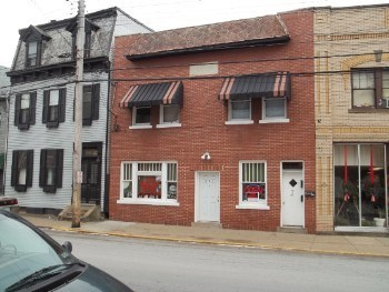 907 Chartiers Avenue Studio-2 Beds Apartment for Rent Photo Gallery 1
