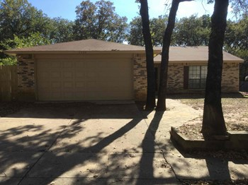 3724 MULBERRY LANE 3 Beds House for Rent Photo Gallery 1