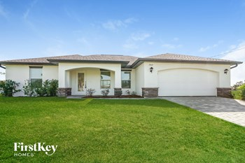 2809 NW 21 Pl 4 Beds House for Rent Photo Gallery 1