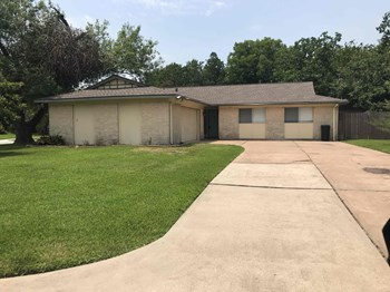 401 ELLA Ct 3 Beds House for Rent Photo Gallery 1