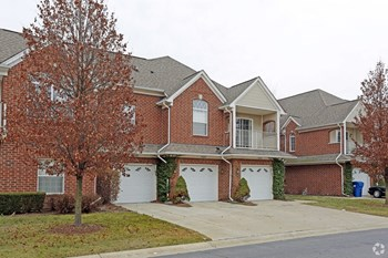 8245 North Annsbury Circle 2 Beds Apartment for Rent Photo Gallery 1